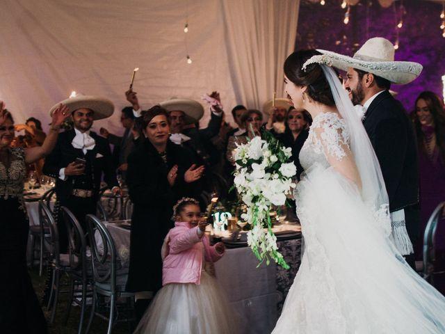 La boda de Alfonso y Alejandra en Pátzcuaro, Michoacán 116