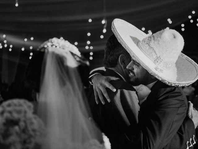 La boda de Alfonso y Alejandra en Pátzcuaro, Michoacán 118