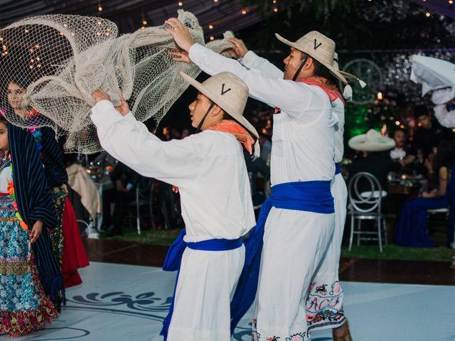 La boda de Alfonso y Alejandra en Pátzcuaro, Michoacán 120