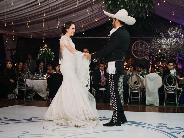 La boda de Alfonso y Alejandra en Pátzcuaro, Michoacán 130