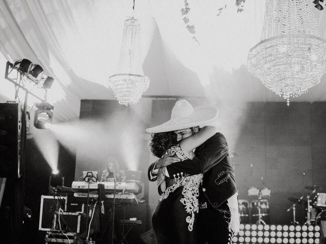 La boda de Alfonso y Alejandra en Pátzcuaro, Michoacán 141