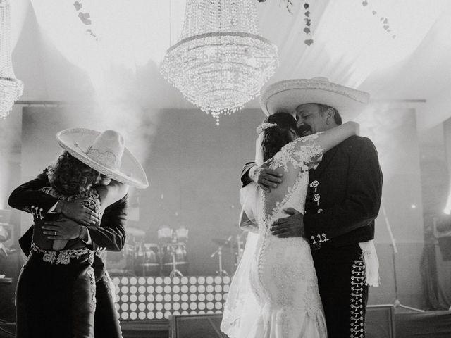 La boda de Alfonso y Alejandra en Pátzcuaro, Michoacán 142