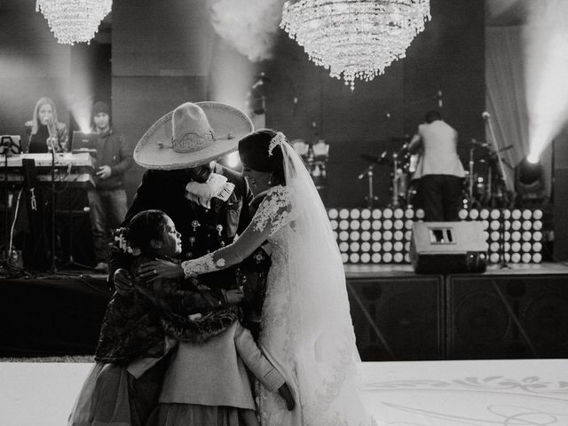 La boda de Alfonso y Alejandra en Pátzcuaro, Michoacán 143