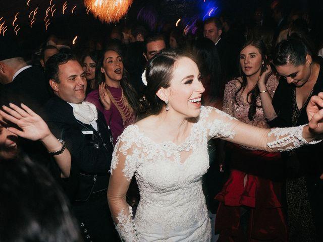 La boda de Alfonso y Alejandra en Pátzcuaro, Michoacán 158