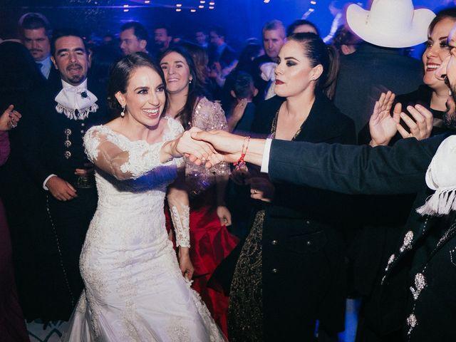 La boda de Alfonso y Alejandra en Pátzcuaro, Michoacán 163