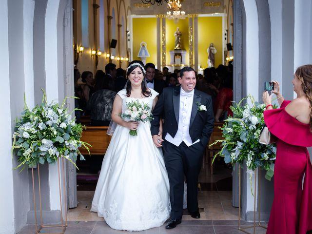 La boda de Fernando y Adriana en Chapala, Jalisco 29