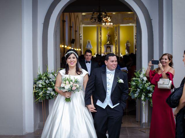 La boda de Fernando y Adriana en Chapala, Jalisco 30