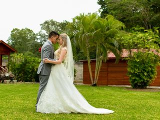La boda de Emaly y Sebastian