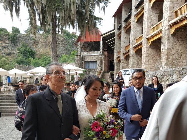 La boda de Víctor  y Claudia  en Huasca de Ocampo, Hidalgo 9