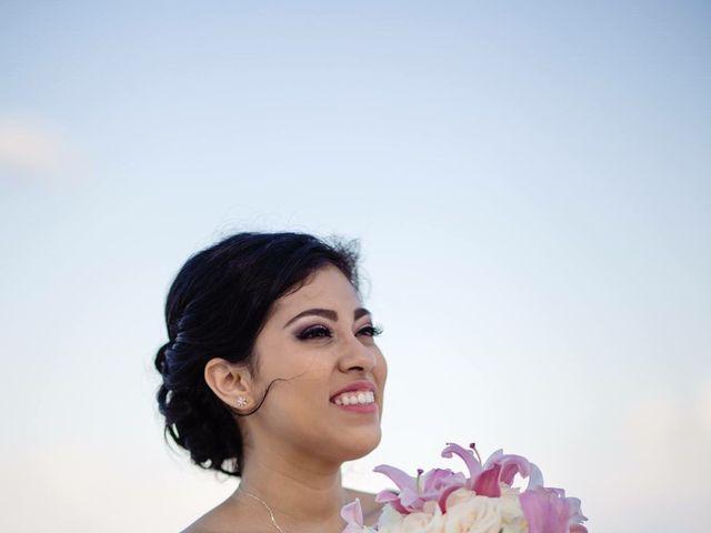 La boda de Miguel  y Lizzy en Cancún, Quintana Roo 4