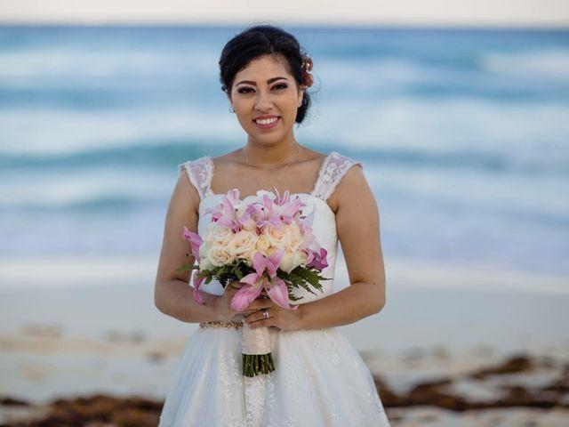La boda de Miguel  y Lizzy en Cancún, Quintana Roo 8