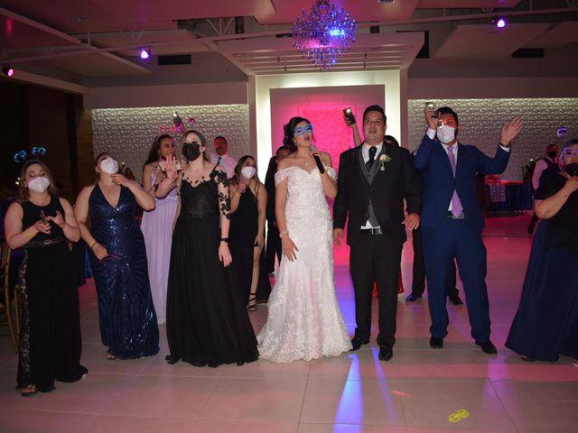 La boda de Jonathan y Alexsandra en Chihuahua, Chihuahua 32