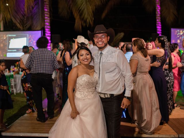 La boda de Jonathan Iván y Samantha en Ixtapa Zihuatanejo, Guerrero 34