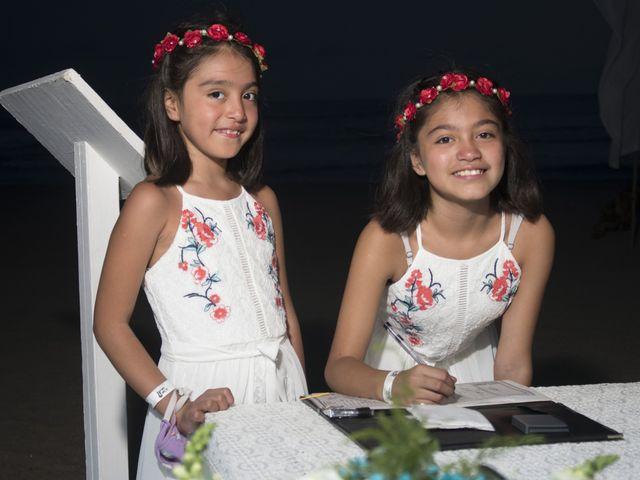 La boda de Erik y Alejandra en Acapulco, Guerrero 13