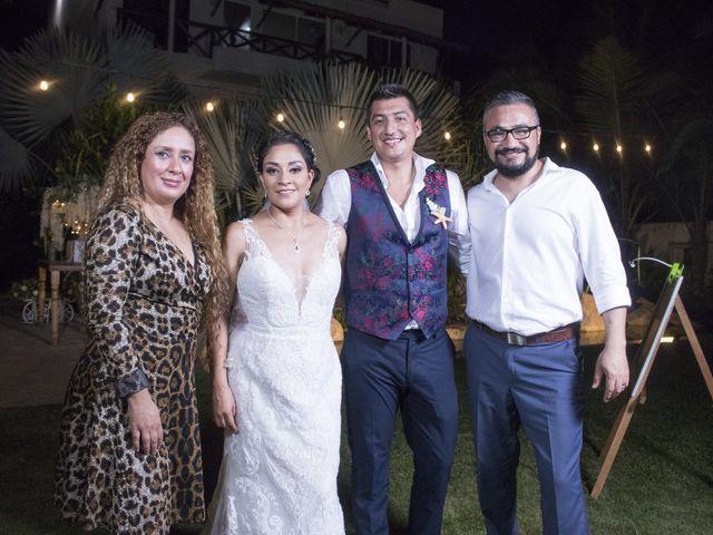 La boda de Erik y Alejandra en Acapulco, Guerrero 16