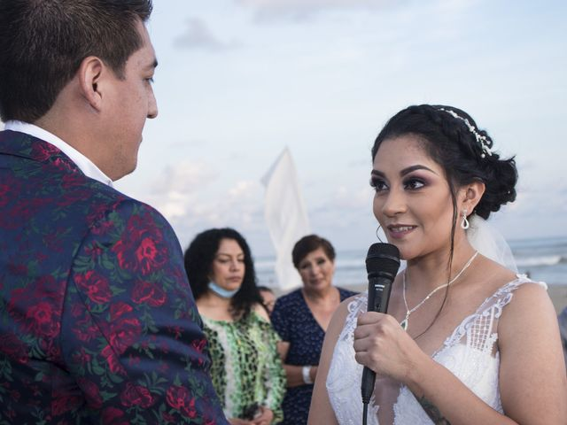 La boda de Erik y Alejandra en Acapulco, Guerrero 32