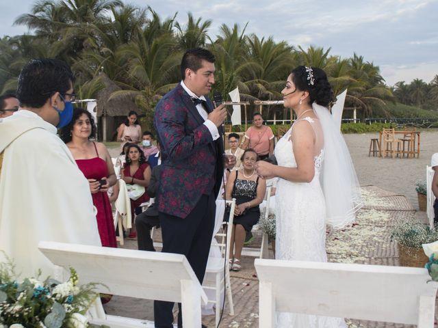 La boda de Erik y Alejandra en Acapulco, Guerrero 33