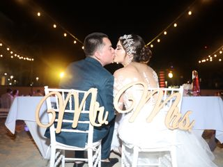 La boda de Aris y Brandon