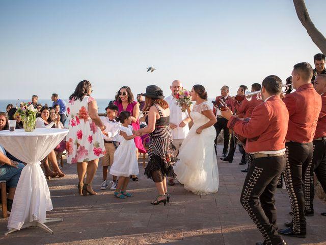 La boda de Sean y Elizabeth en Rosarito, Baja California 5