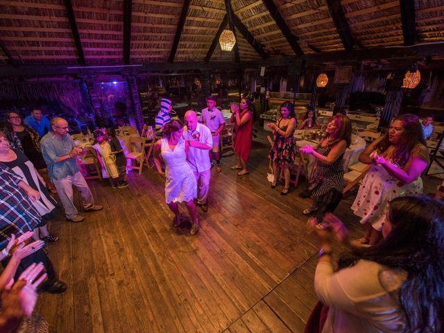 La boda de Sean y Elizabeth en Rosarito, Baja California 12