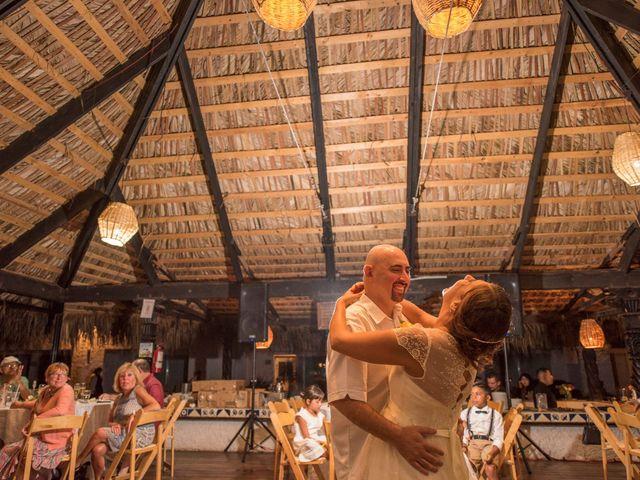 La boda de Sean y Elizabeth en Rosarito, Baja California 11