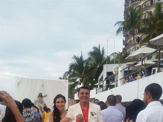 La boda de Carlos  y Yadira en Puerto Vallarta, Jalisco 4