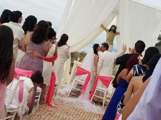 La boda de Carlos  y Yadira en Puerto Vallarta, Jalisco 12