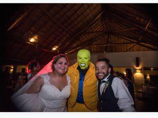 La boda de Adriana  y Josué  2