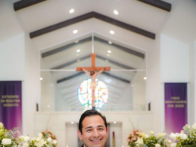 La boda de Víctor y Denisse en Mexicali, Baja California 16