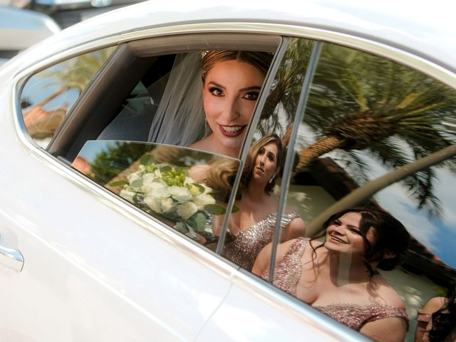 La boda de Víctor y Denisse en Mexicali, Baja California 19