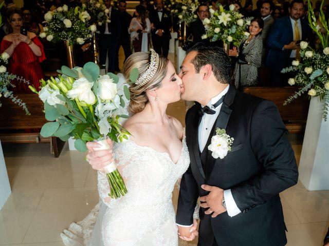 La boda de Víctor y Denisse en Mexicali, Baja California 27
