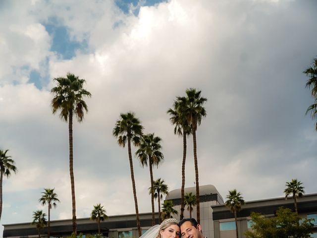 La boda de Víctor y Denisse en Mexicali, Baja California 33
