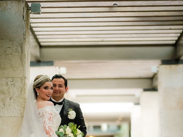 La boda de Víctor y Denisse en Mexicali, Baja California 34
