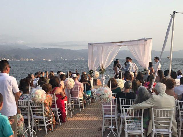 La boda de Francisco y Lulu en Puerto Vallarta, Jalisco 13