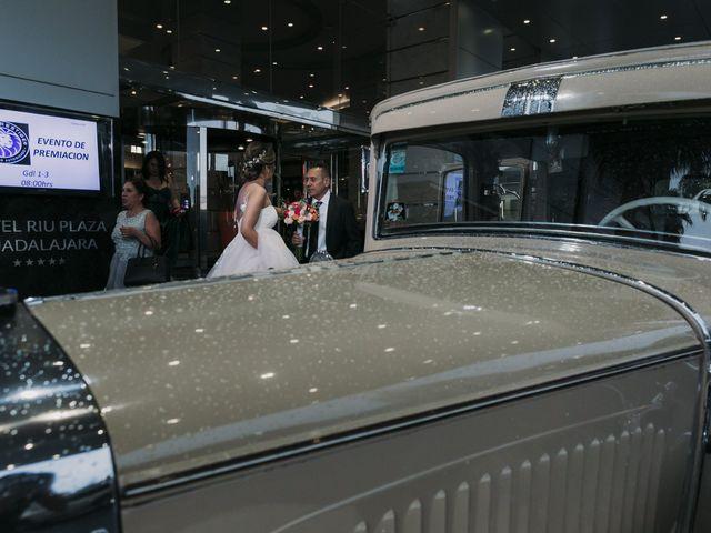 La boda de Diego y Denisse en Guadalajara, Jalisco 17