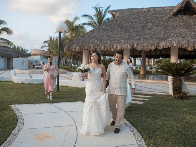 La boda de Arturo y Marlenne en Acapulco, Guerrero 25