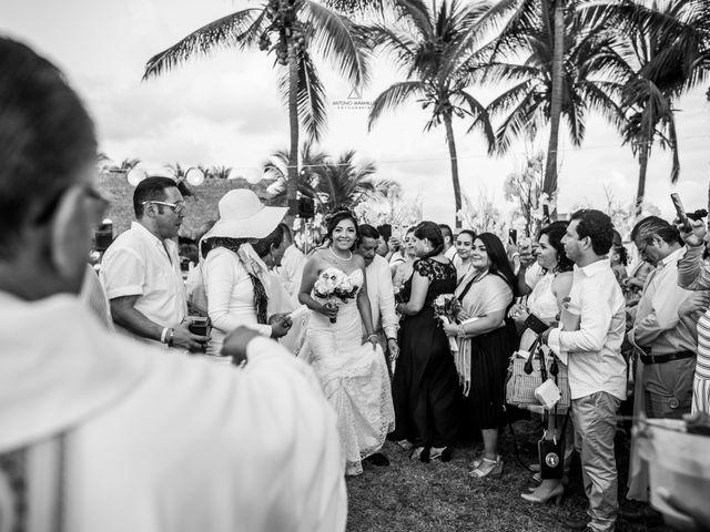 La boda de Arturo y Marlenne en Acapulco, Guerrero 28