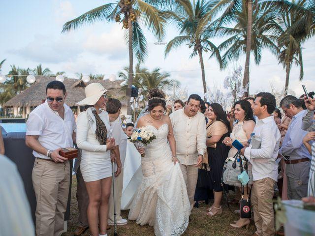 La boda de Arturo y Marlenne en Acapulco, Guerrero 29