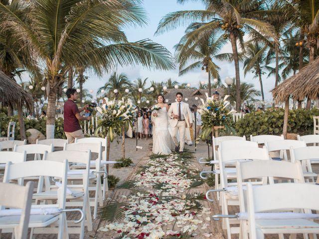 La boda de Arturo y Marlenne en Acapulco, Guerrero 33