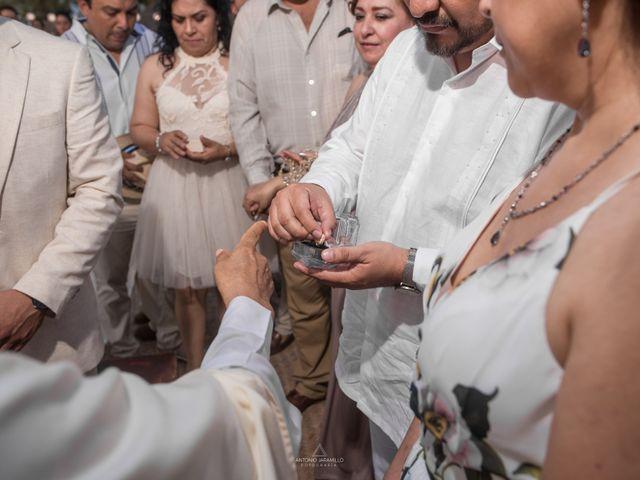 La boda de Arturo y Marlenne en Acapulco, Guerrero 37