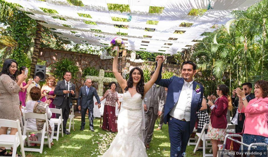 La boda de c sar y m nica en cuernavaca morelos bodas for Capitolio eventos jardin