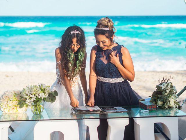 La boda de Gaby y Daniela en Cancún, Quintana Roo 24