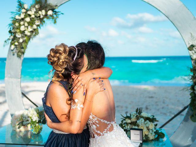 La boda de Gaby y Daniela en Cancún, Quintana Roo 34