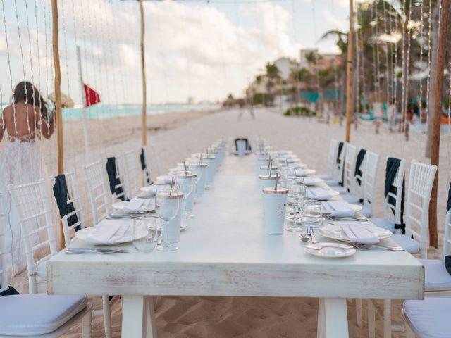 La boda de Gaby y Daniela en Cancún, Quintana Roo 45