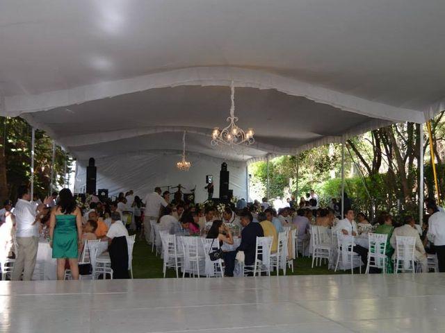 La boda de Oswaldo y Lily en Tepetlaoxtoc, Estado México 2