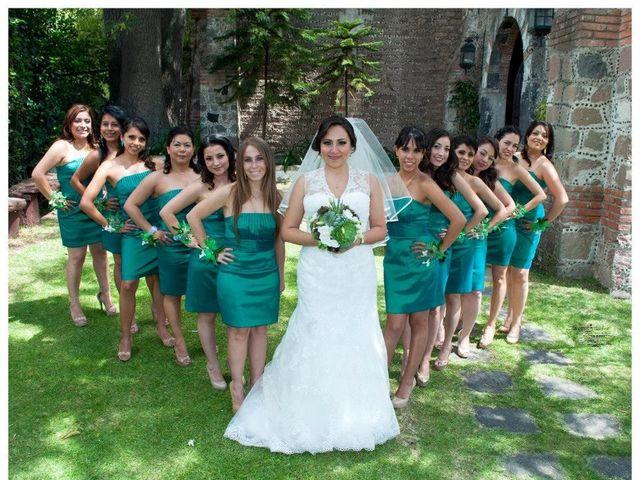 La boda de Oswaldo y Lily en Tepetlaoxtoc, Estado México 3