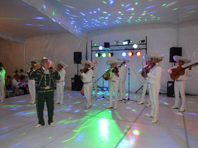 La boda de Oswaldo y Lily en Tepetlaoxtoc, Estado México 5