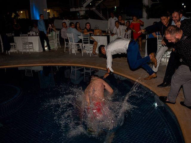 La boda de Marco  y Jocelyn  en Ixtapa Zihuatanejo, Guerrero 30