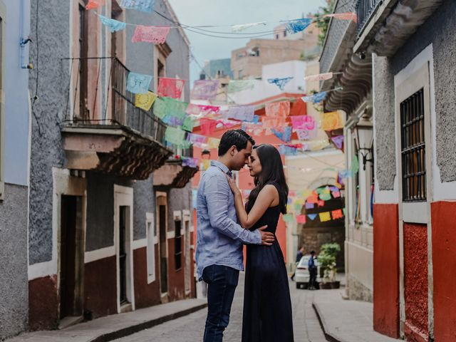 La boda de Fernando y Adriana en Guanajuato, Guanajuato 35