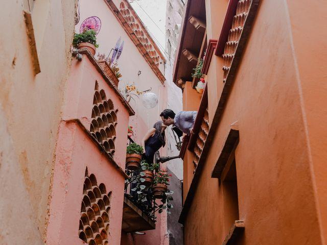 La boda de Fernando y Adriana en Guanajuato, Guanajuato 44